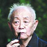 黄永玉:现为中央美术学院教授