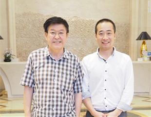 黑龙江省美协主席吴团良合影