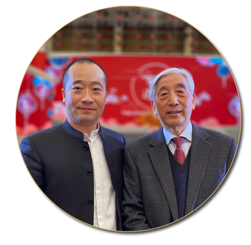 浦君艺术创始人胡桂忠与中书协名誉主席张海先生合影