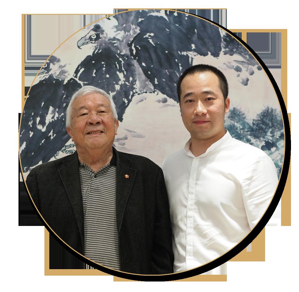 浦君艺术创始人胡桂忠与当代大师王成喜先生合影
