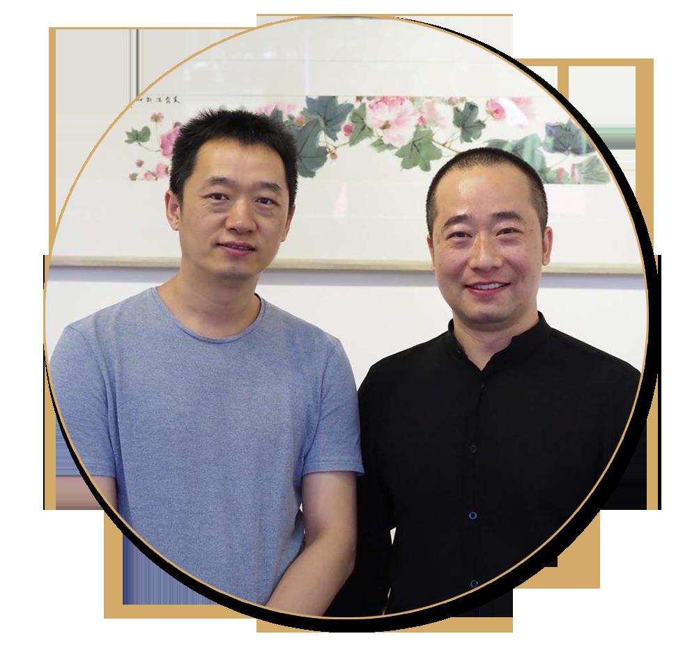 浦君艺术创始人胡桂忠与周午生先生合影
