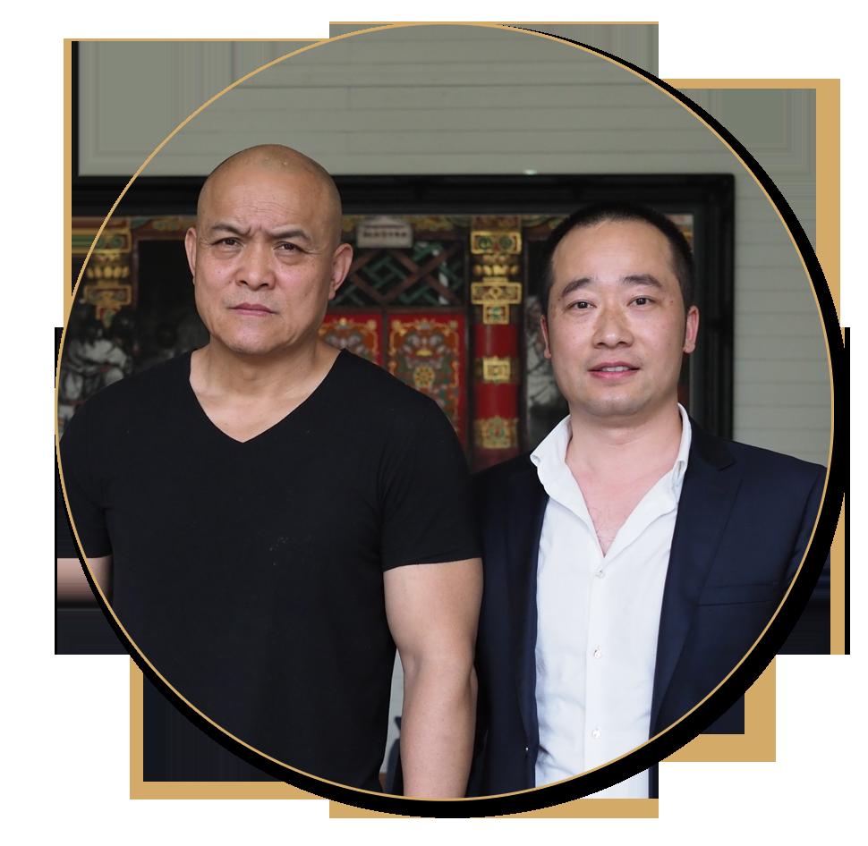 浦君艺术创始人胡桂忠与当代大师史国良先生合影