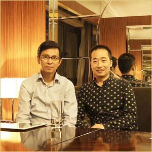 浦君艺术创始人胡桂忠与中美协副主席何家英先生合影