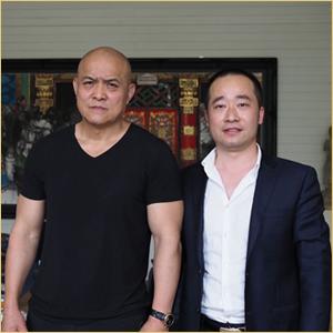 浦君艺术创始人胡桂忠与史国良合影